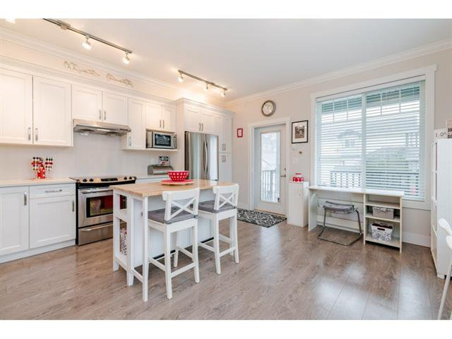 Main Photo: 19 18819 71 Avenue in Surrey: Clayton Townhouse for sale (Cloverdale)  : MLS®# R2475897