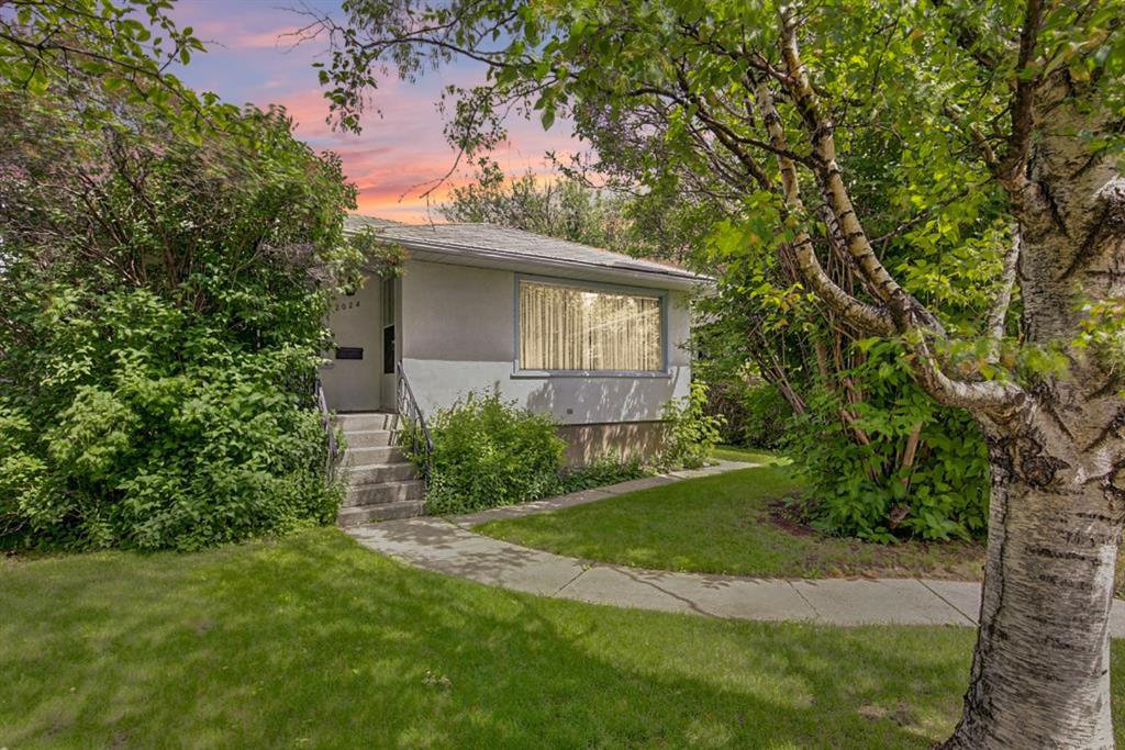 Main Photo: 2024 50 Avenue SW in Calgary: Altadore Detached for sale : MLS®# A1059478