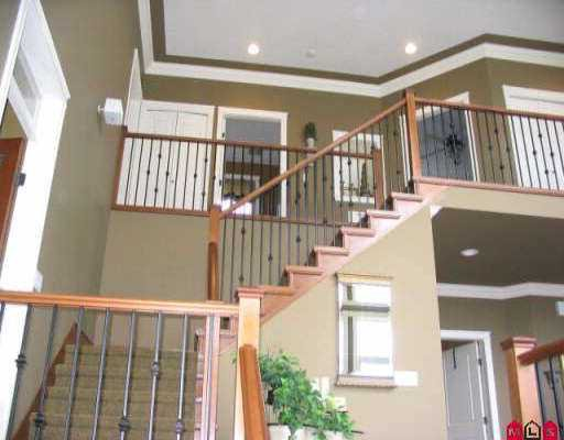 Photo 4: Photos: 35787 SUNRIDGE PL in Abbotsford: Abbotsford East House for sale : MLS®# F2605504