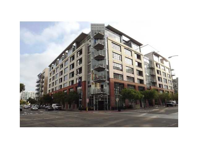 Main Photo: DOWNTOWN Condo for sale : 1 bedrooms : 1050 Island Avenue #324 in San Diego