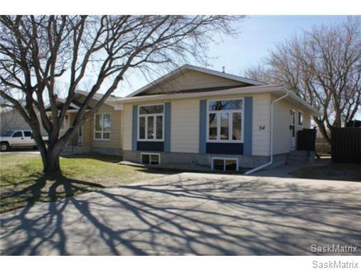Main Photo: 54 TWEEDSMUIR BAY in Regina: Sherwood Estates Single Family Dwelling for sale (Regina Area 01)  : MLS®# 474224
