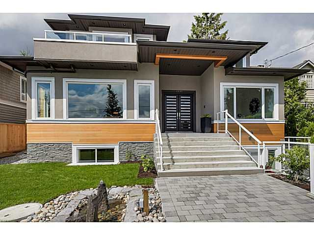 Main Photo: 1337 Haywood Avenue in West Vancouver: Ambleside House for sale : MLS®# v1065887