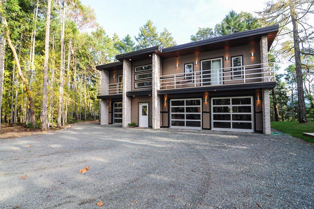 Main Photo: 1715 Galvin Pl: Qualicum Beach House for sale (Nanaimo)  : MLS®# 383253