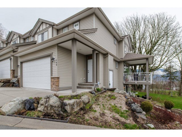 Main Photo: 140 8590 SUNRISE DRIVE in Chilliwack: Chilliwack Mountain Townhouse for sale : MLS®# R2040356