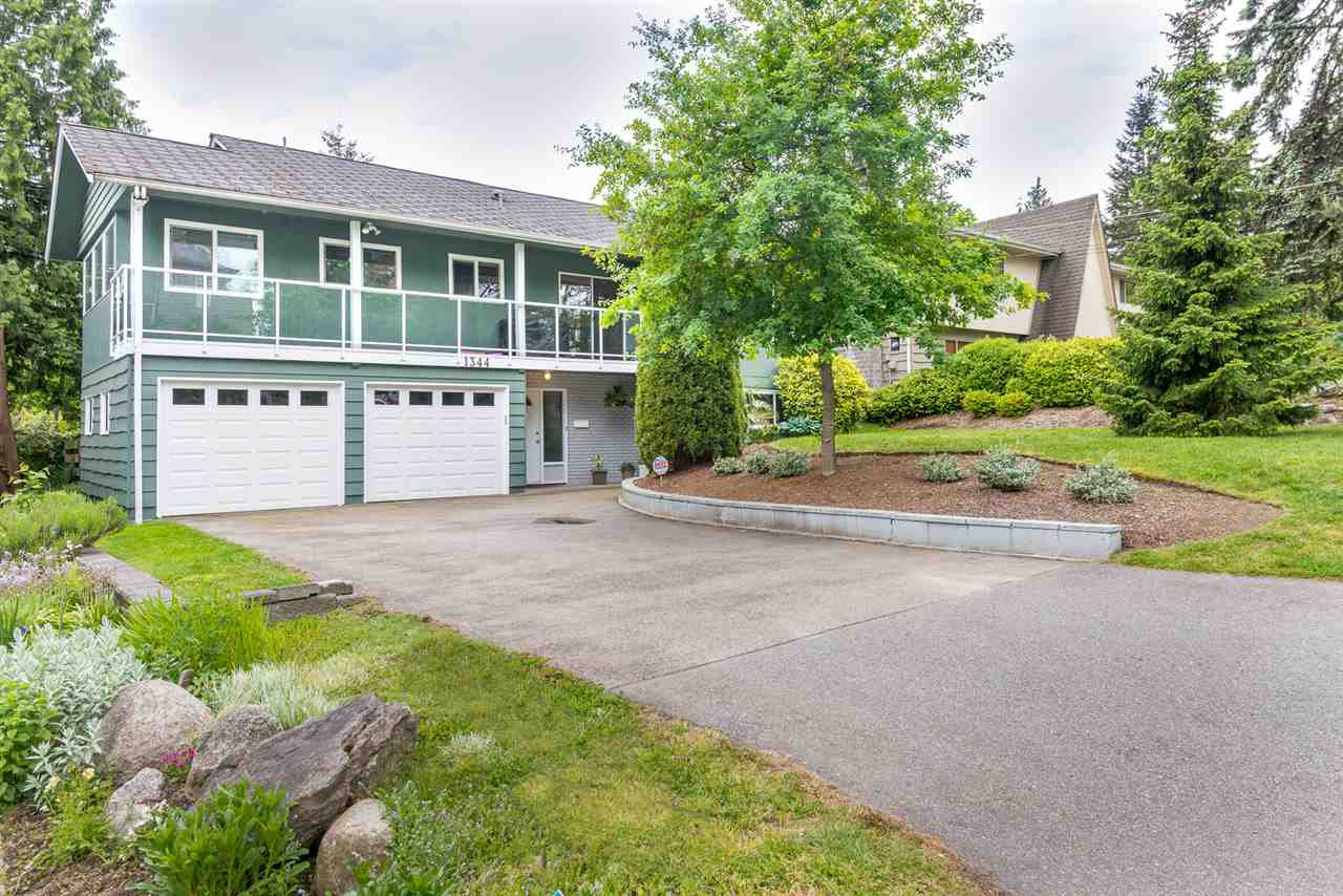 Main Photo: 1388 FOSTER AVENUE in Coquitlam: Central Coquitlam House for sale : MLS®# R2089540