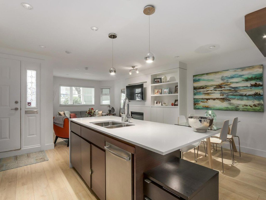 Main Photo: 2247 HEATHER STREET in Vancouver: Fairview VW Condo for sale (Vancouver West)  : MLS®# R2077663
