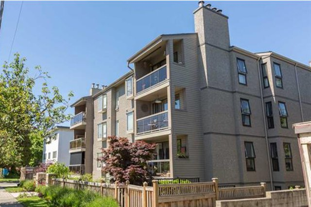 Main Photo: 301 1875 W 8th Avenue in Vancouver: Kitsilano Condo for sale (Vancouver West)  : MLS®# R2068645