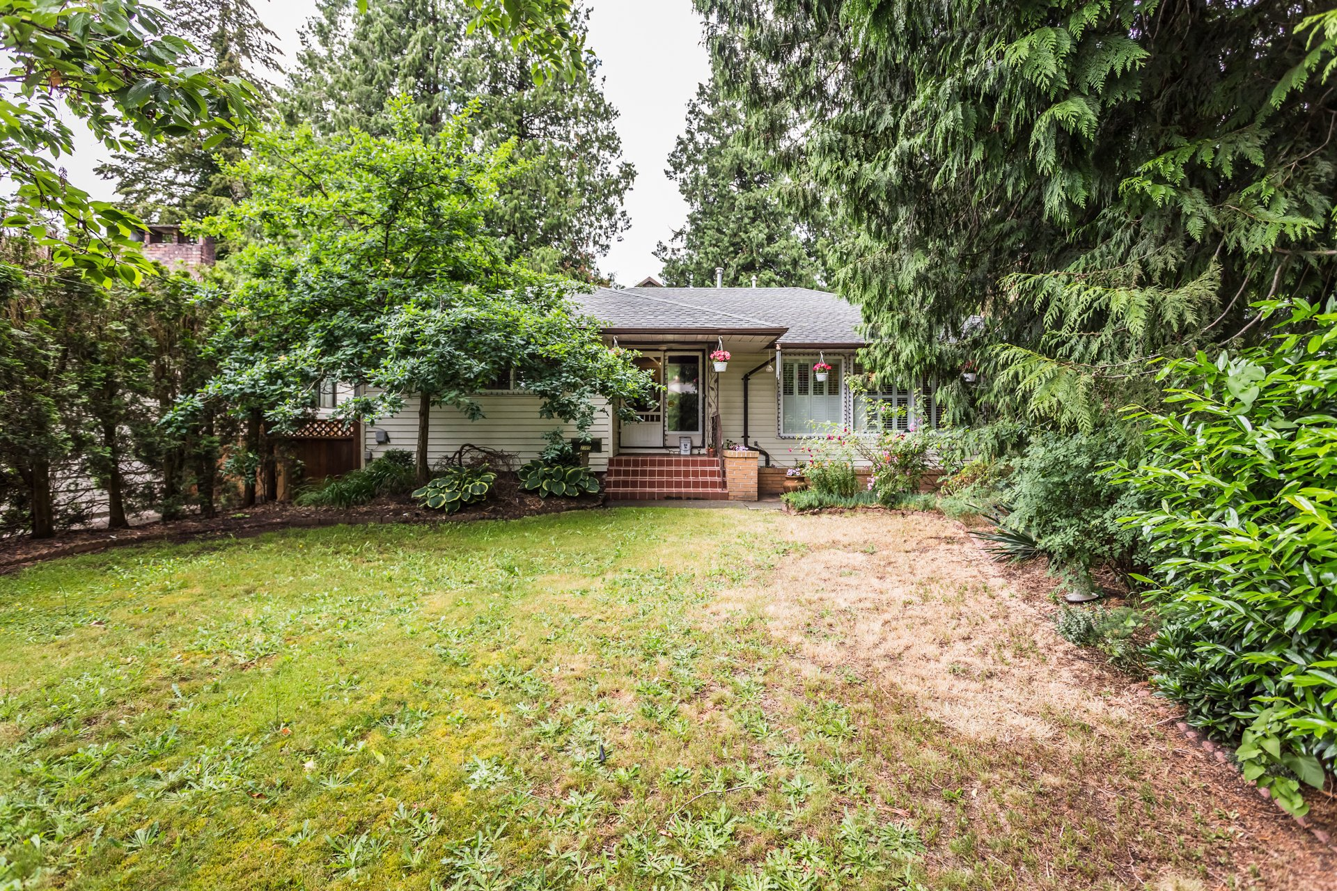Main Photo: 2365 Grant Street in Abbotsford: House for sale