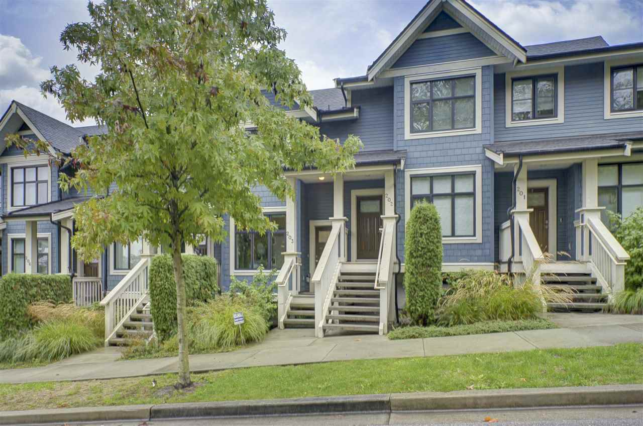"""Main Photo: 203 8485 NEW HAVEN Close in Burnaby: Big Bend Townhouse for sale in """"McGregor"""" (Burnaby South)  : MLS®# R2441535"""
