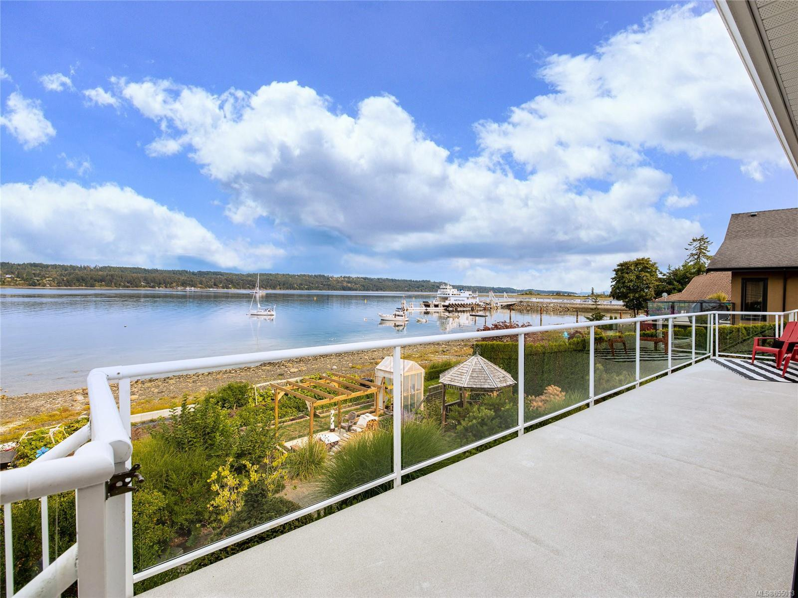 Main Photo: 6800 Buckley Bay Frontage Rd in : CV Union Bay/Fanny Bay House for sale (Comox Valley)  : MLS®# 855013