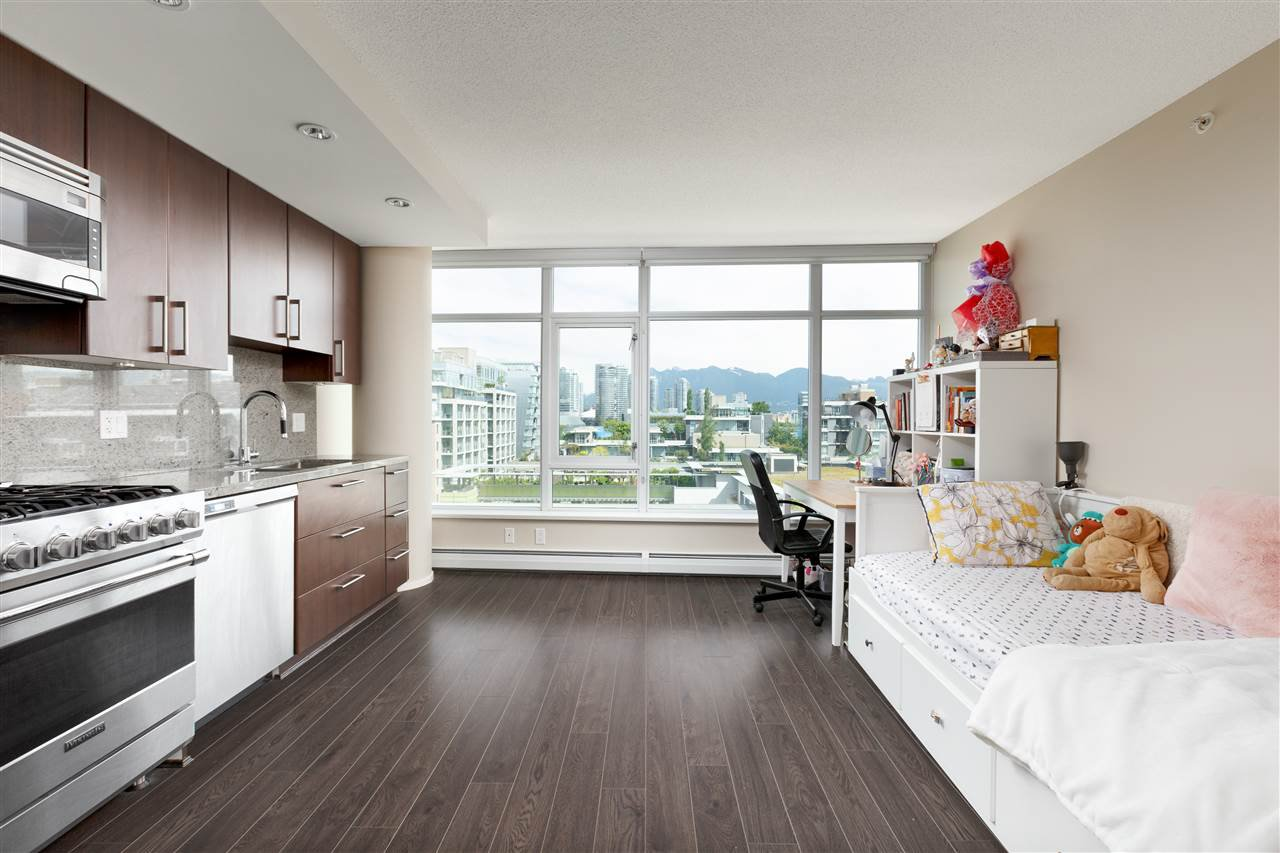 Main Photo: 803 168 W 1ST Avenue in Vancouver: False Creek Condo for sale (Vancouver West)  : MLS®# R2496013