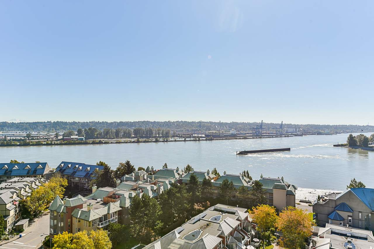 "Main Photo: 1501 1065 QUAYSIDE Drive in New Westminster: Quay Condo for sale in ""Quayside Tower 2"" : MLS®# R2518489"