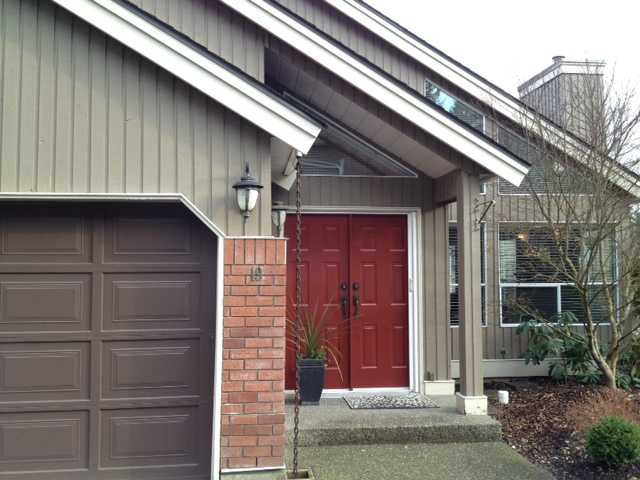 """Main Photo: 19 4055 INDIAN RIVER Drive in North Vancouver: Indian River Townhouse for sale in """"THE WINCHESTER"""" : MLS®# V931998"""