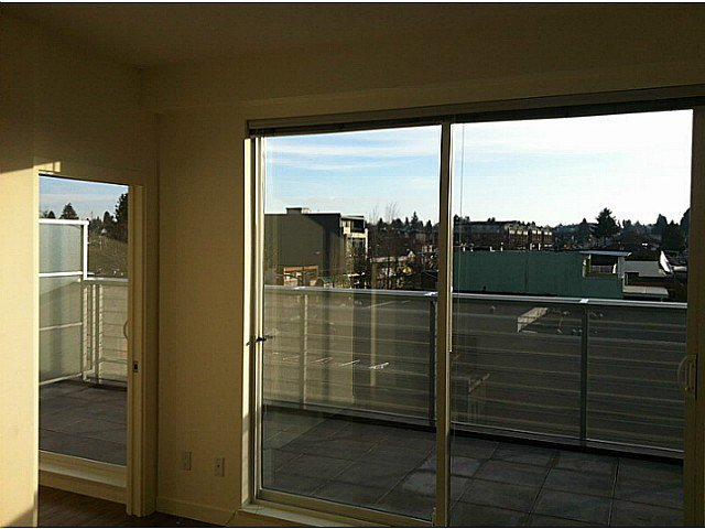 Photo 4: Photos: PH3 683 27TH Avenue in Vancouver: Fraser VE Condo for sale (Vancouver East)  : MLS®# V987373