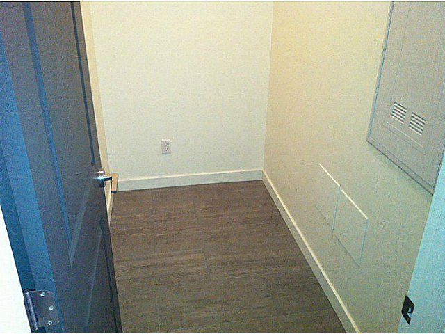 Photo 10: Photos: PH3 683 27TH Avenue in Vancouver: Fraser VE Condo for sale (Vancouver East)  : MLS®# V987373