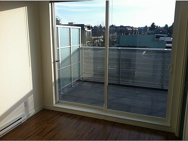 Photo 5: Photos: PH3 683 27TH Avenue in Vancouver: Fraser VE Condo for sale (Vancouver East)  : MLS®# V987373
