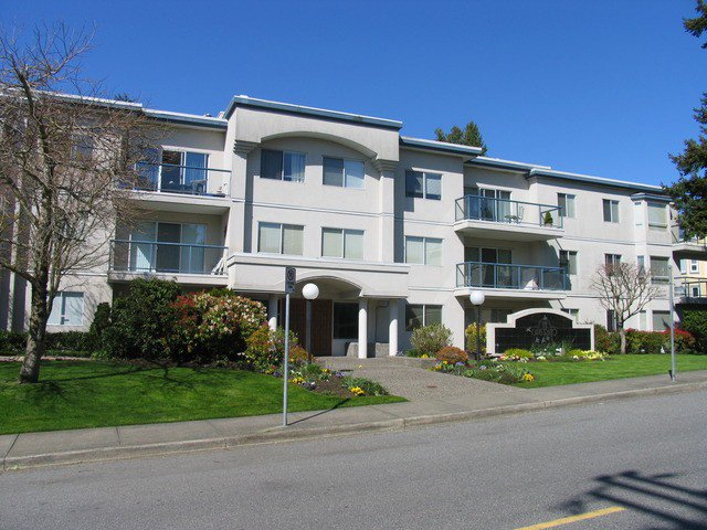 "Main Photo: # 204 1441 BLACKWOOD ST: White Rock Condo for sale in """"The Capistrano"""" (South Surrey White Rock)  : MLS®# F1306479"