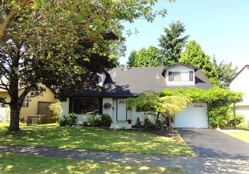 Main Photo: 13101 ENGLISH Place in Surrey: West Newton House for sale : MLS®# F1317498