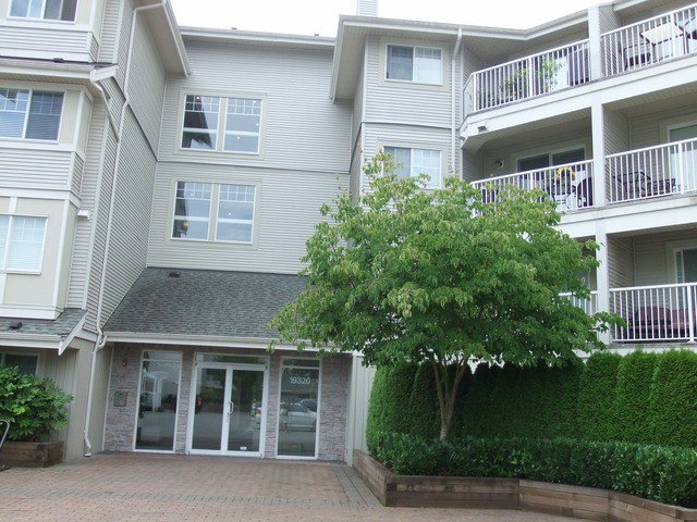 "Main Photo: 106 19320 65TH Avenue in Surrey: Clayton Condo for sale in ""ESPRIT"" (Cloverdale)  : MLS®# F1319312"