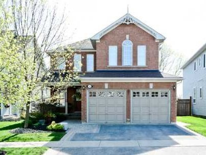 Photo 1: Photos: 52 Bayberry Court in Whitby: Freehold for sale