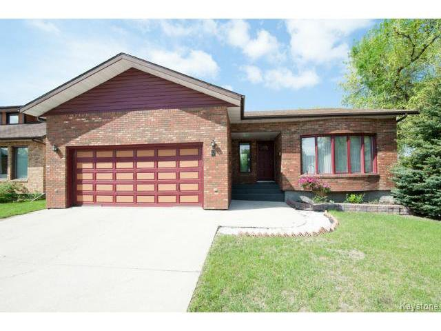 Main Photo: 3 Pekary Place in WINNIPEG: East Kildonan Single Family Detached for sale (North East Winnipeg)  : MLS®# 1412501
