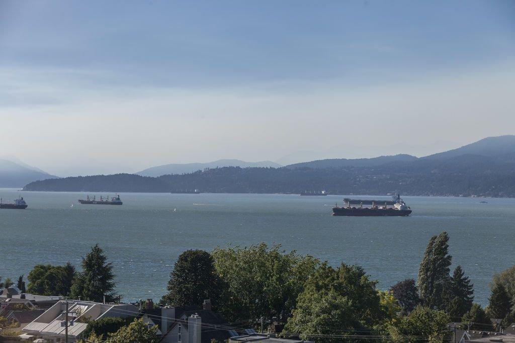 Main Photo: 1006 2445 W 3RD AVENUE in Vancouver: Kitsilano Condo for sale (Vancouver West)  : MLS®# R2004130