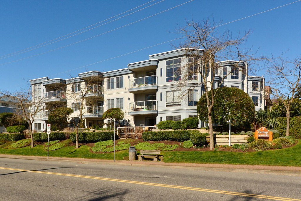Main Photo: 401 15941 Marine Drive: White Rock Condo for sale (South Surrey White Rock)  : MLS®# R2048515