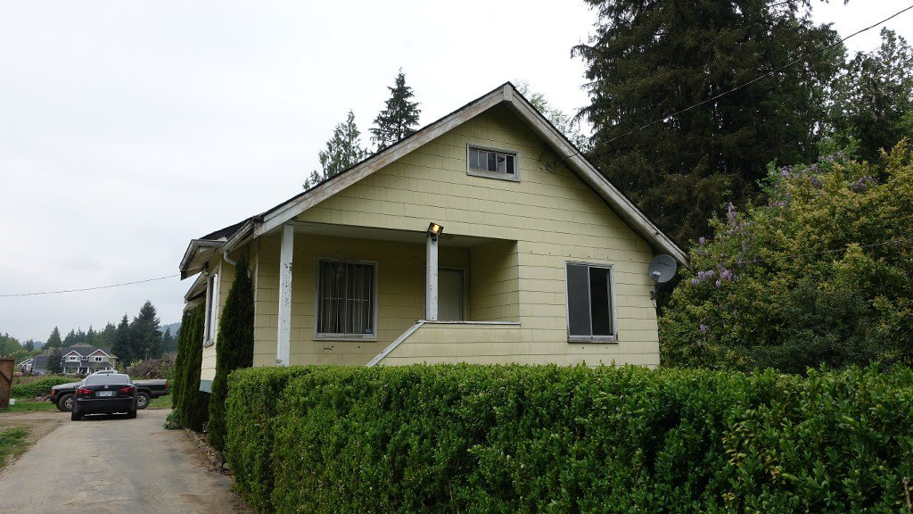 Main Photo: 8863 Cedar St. in Mission: House for rent