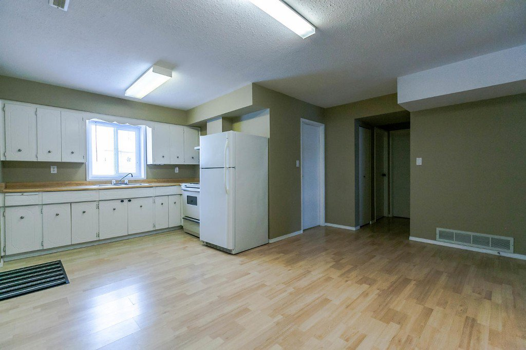 Photo 39: Photos: 6163 172 Street in Surrey: Cloverdale BC House for sale (Cloverdale)  : MLS®# R2137585