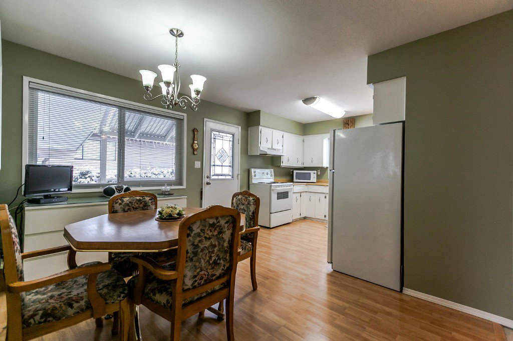 Photo 12: Photos: 6163 172 Street in Surrey: Cloverdale BC House for sale (Cloverdale)  : MLS®# R2137585