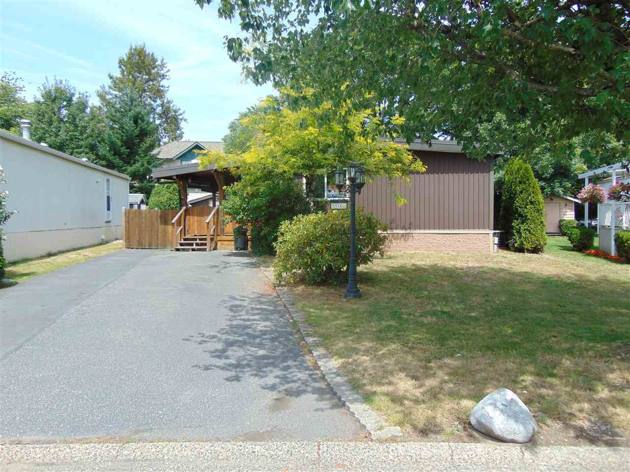"Main Photo: 117 145 KING EDWARD Street in Coquitlam: Maillardville Manufactured Home for sale in ""MILL CREEK VILLAGE"" : MLS®# R2408548"