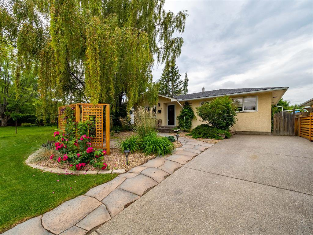 Main Photo: 163 FAIRVIEW Drive SE in Calgary: Fairview Detached for sale : MLS®# C4294219