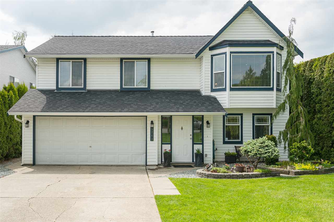 Main Photo: 3263 274A STREET in : Aldergrove Langley House for sale : MLS®# R2168730