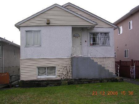 Main Photo: 2610 VENABLES ST in Vancouver: House for sale (Renfrew VE)