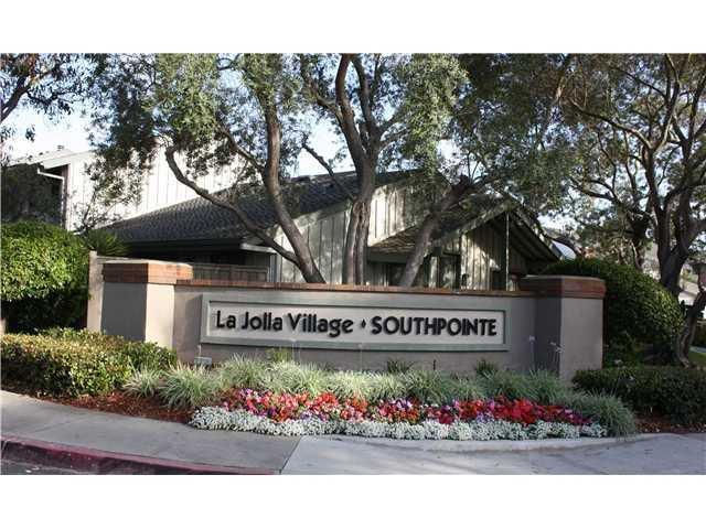 Main Photo: LA JOLLA Condo for sale : 3 bedrooms : 8109 Caminito Sonoma