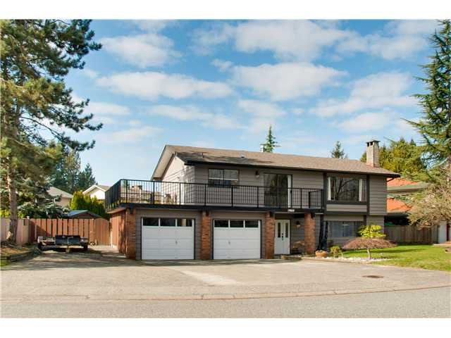"Main Photo: 19860 N WILDWOOD Crescent in Pitt Meadows: South Meadows House for sale in ""WILDWOOD"" : MLS®# V995390"
