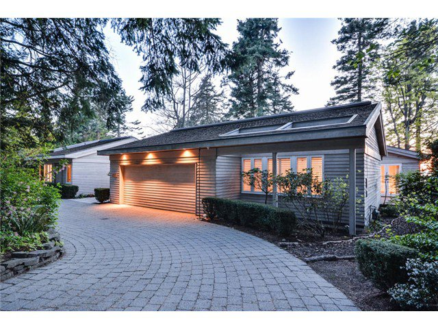 Main Photo: 2599 CRESCENT DR in Surrey: Crescent Bch Ocean Pk. House for sale (South Surrey White Rock)  : MLS®# F1409827