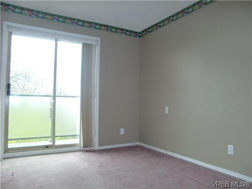 Photo 5: Photos: 406 2527 Quadra Street in VICTORIA: Vi Hillside Residential for sale (Victoria)  : MLS®# 292016