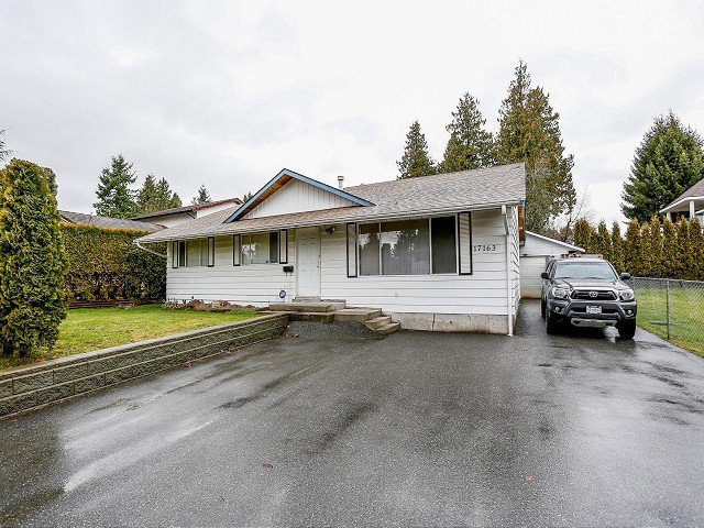Main Photo: 17163 58 Avenue in Surrey: Cloverdale BC House for sale : MLS®# F1405405