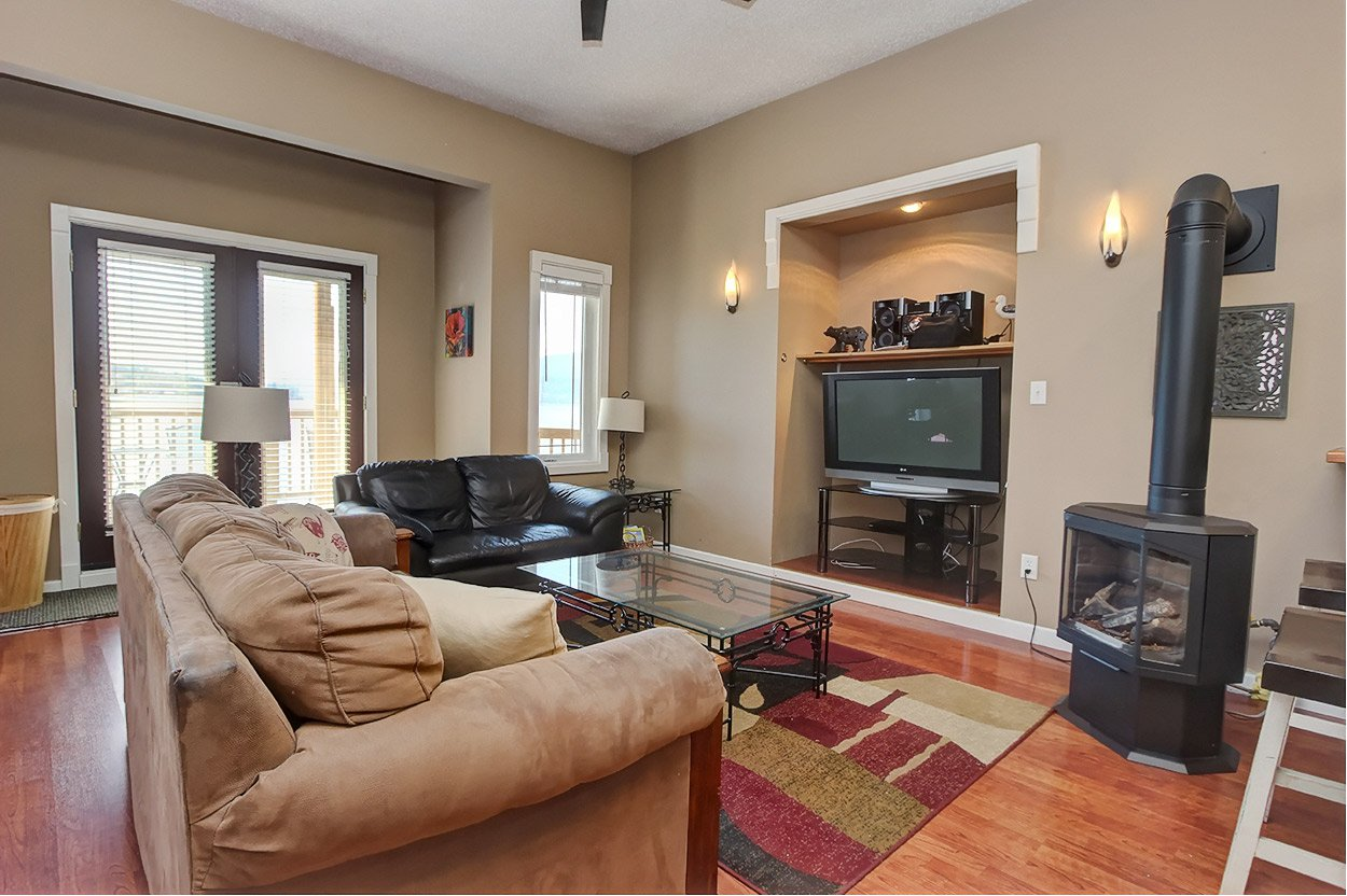 Photo 11: Photos: 2022 Eagle Bay Road: Blind Bay House for sale (South Shuswap)  : MLS®# 10202297