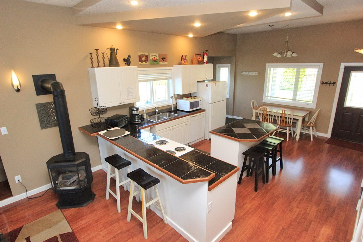 Photo 10: Photos: 2022 Eagle Bay Road: Blind Bay House for sale (South Shuswap)  : MLS®# 10202297