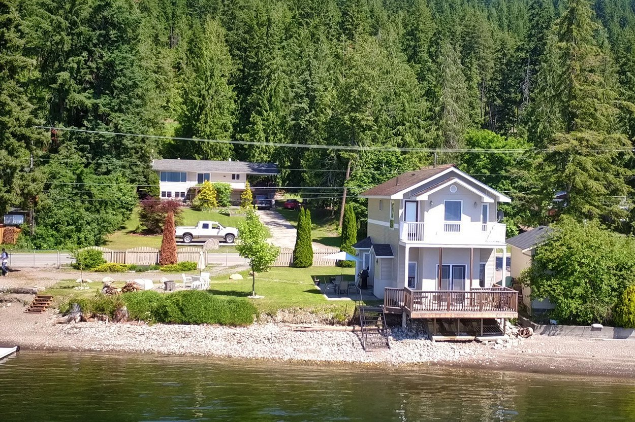 Photo 2: Photos: 2022 Eagle Bay Road: Blind Bay House for sale (South Shuswap)  : MLS®# 10202297