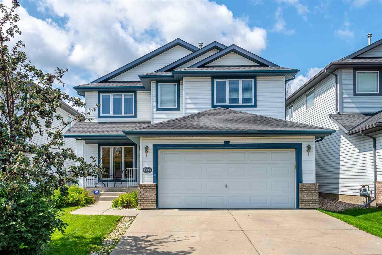 Main Photo: 1229 ORMSBY Lane in Edmonton: Zone 20 House for sale : MLS®# E4167806