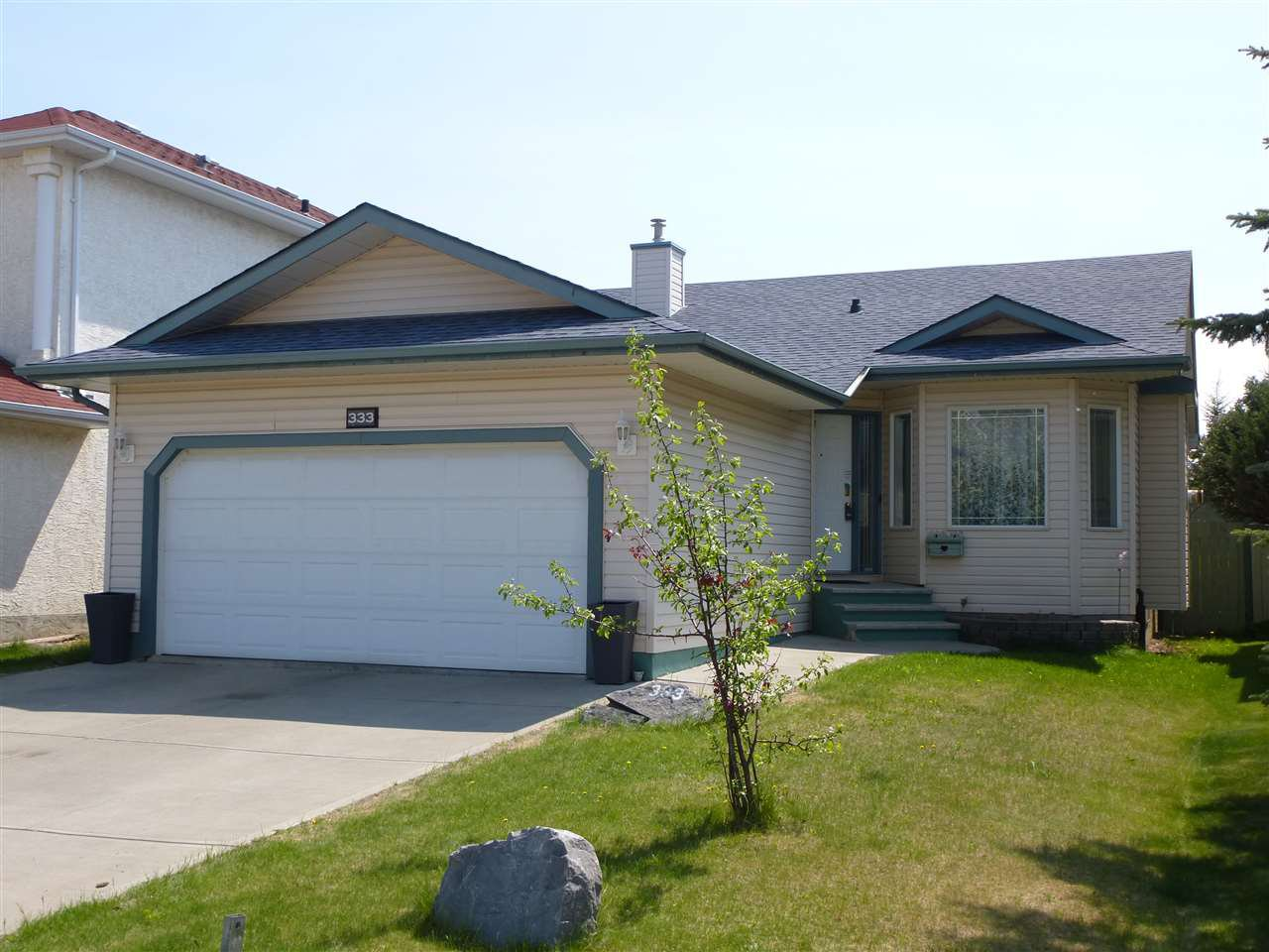 Main Photo: 333 BERINGER Crescent in Edmonton: Zone 58 House for sale : MLS®# E4168184