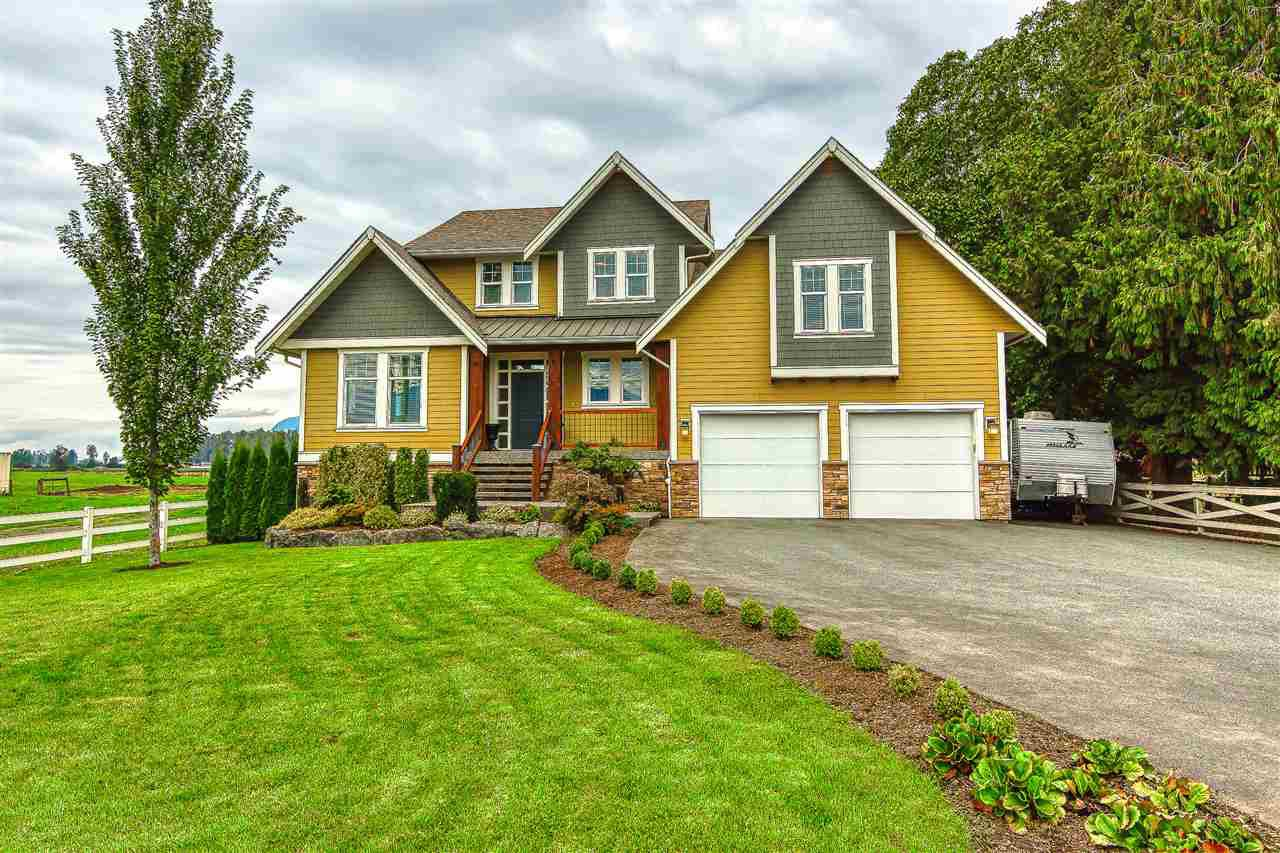 Main Photo: 43185 YALE Road in Sardis - Greendale: Greendale Chilliwack House for sale (Sardis)  : MLS®# R2407382