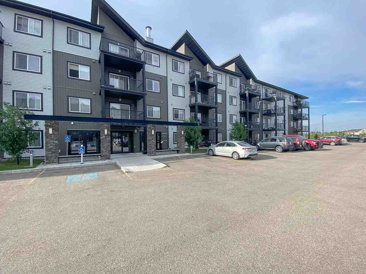 Main Photo: 327 504 ALBANY Way in Edmonton: Zone 27 Condo for sale : MLS®# E4210892