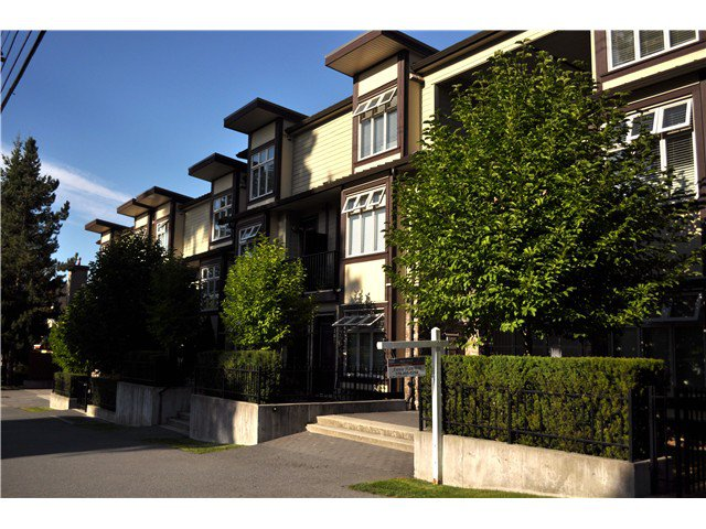 Main Photo: # 220 5588 PATTERSON AV in Burnaby: Central Park BS Condo for sale (Burnaby South)  : MLS®# V1079085