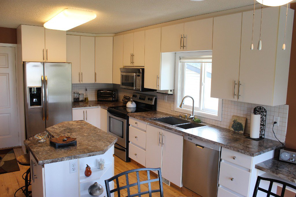 Photo 7: Photos: 776 Gleneagles Drive in Kamloops: Sahali House for sale : MLS®# 130424