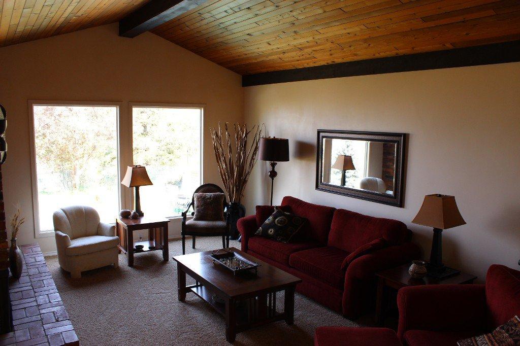 Photo 3: Photos: 776 Gleneagles Drive in Kamloops: Sahali House for sale : MLS®# 130424