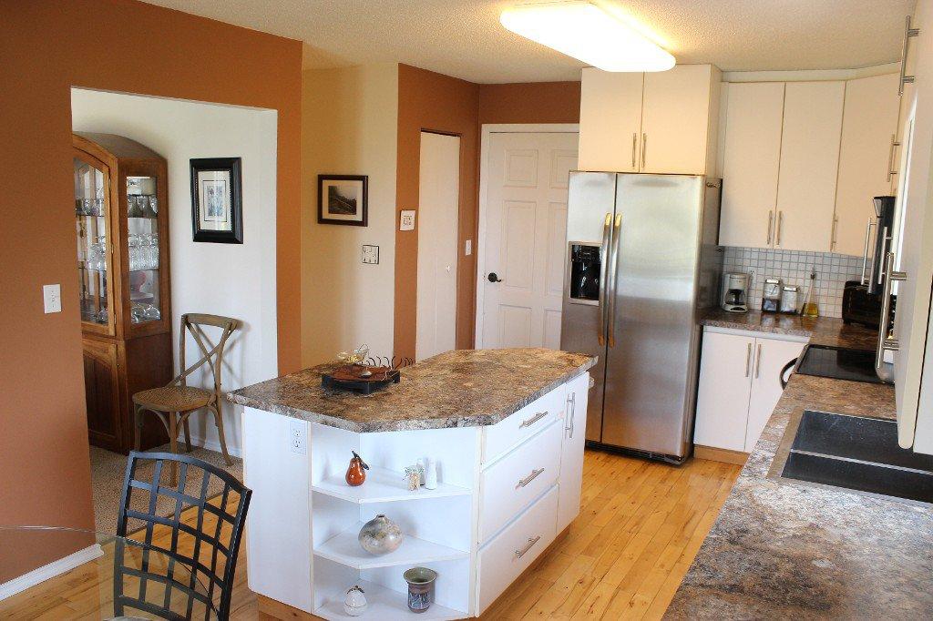 Photo 8: Photos: 776 Gleneagles Drive in Kamloops: Sahali House for sale : MLS®# 130424